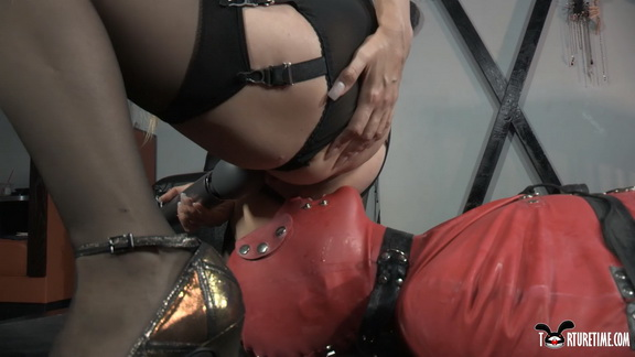 5eef51ece52a6 Slave Bound In Latex From Head To Toe Is Sexually Used Before Orgasmic Release.mp4 snapshot 09.57.400