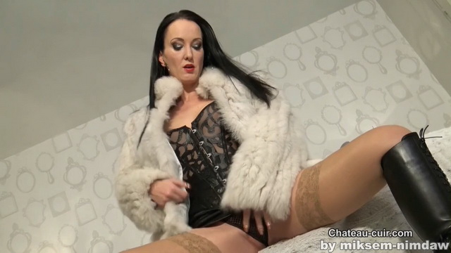 Rich bitch in fur and leather.mp4 snapshot 04.31.621