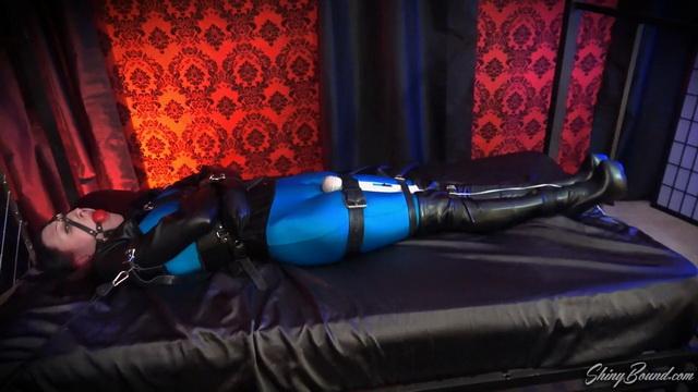 The Pleasure Prisoner.mp4 snapshot 14.40.033