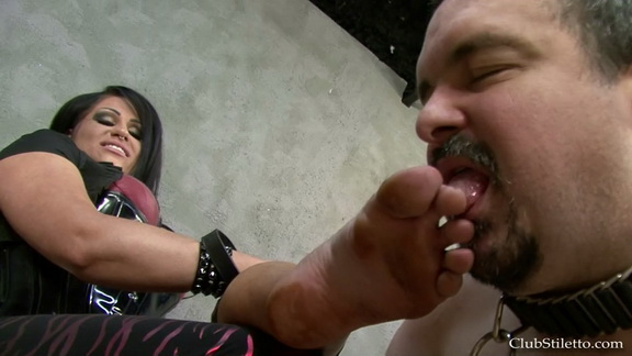 lmf samanthas dirty boots and sweaty feet.mp4 snapshot 04.48.288