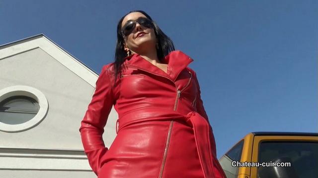 Leather Goddess worship outdoors.mp4 snapshot 06.32.640