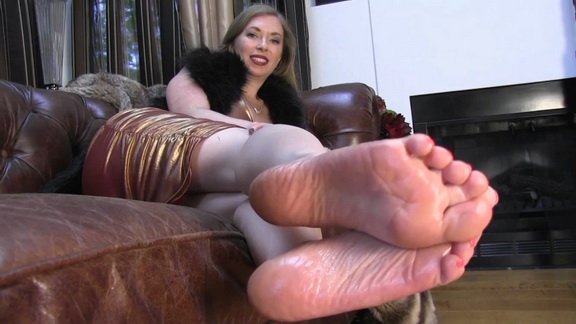 lmf no one cares about you now worship my feet.mp4 snapshot 01.18.159